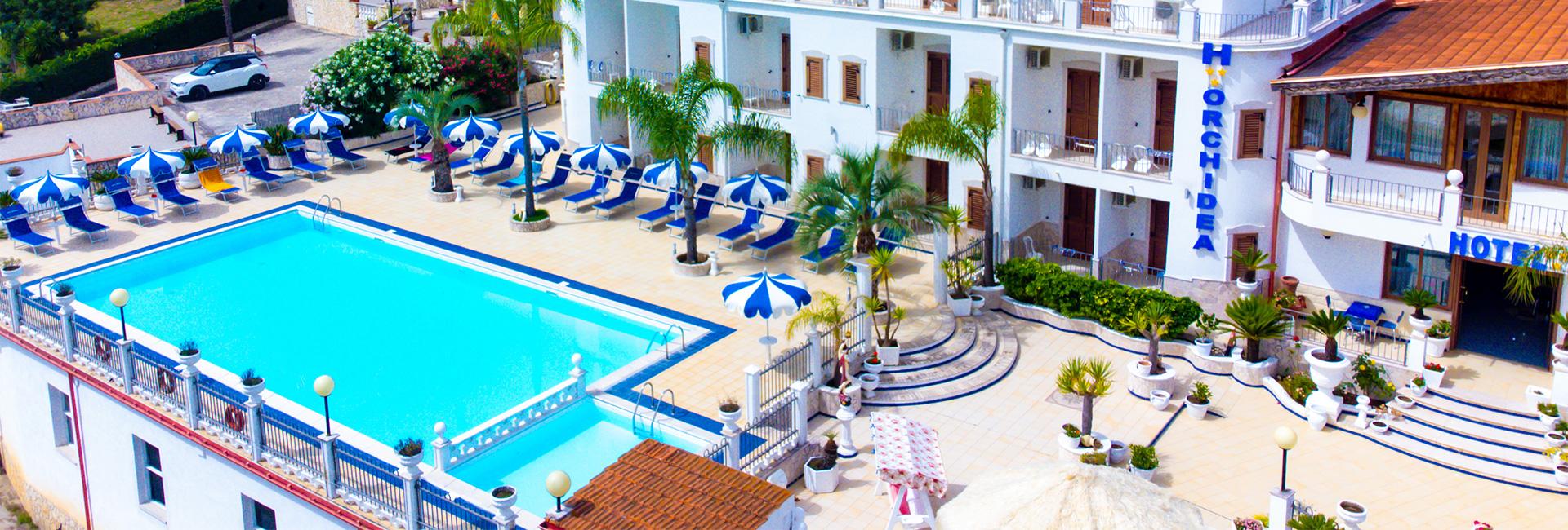 Hotel con piscina a peschici sul gargano for Pepito piscina